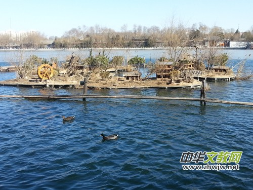四人黄鸭电动船落户什刹海野鸭岛